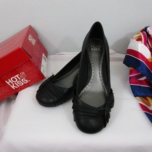 Hot Kiss Black Dress Wedge shoes 6M